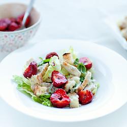 salatka-kurczak-truskawki-00
